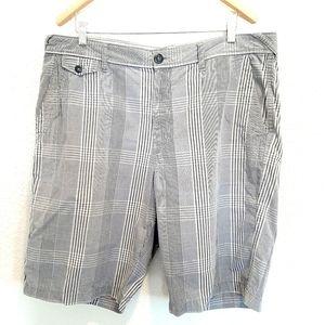 DKNY Men's Plaid Casual Shorts Size 38